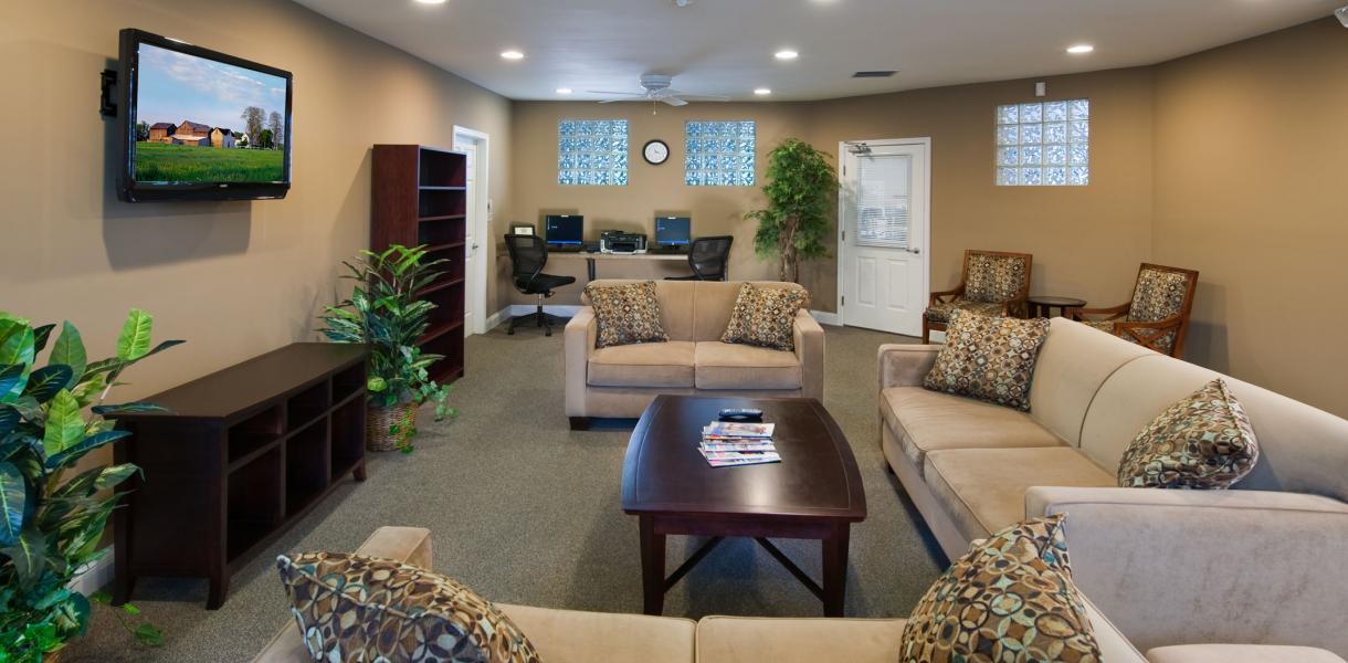 the business center located at Greenville Place Apartments