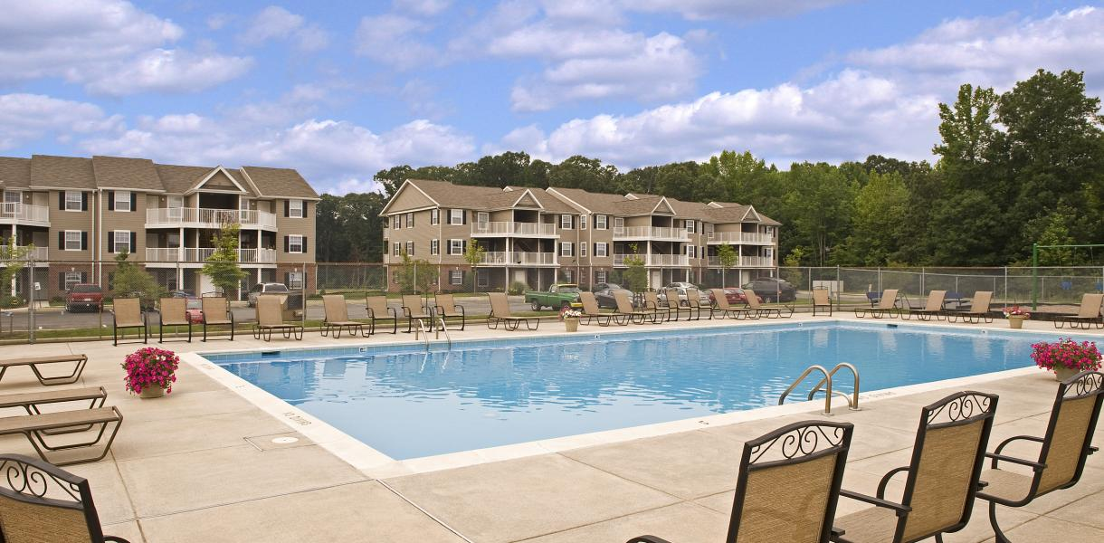 photo of the pool at West Creek Village